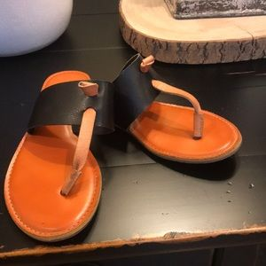 Ladies size 6 1/2 Black and Tan sandals
